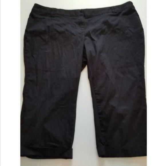 243fd13e62d Torrid Women s Plus Size 28 Crop Cuffed Pants. M 5b5e58b1951996d0aad84f83
